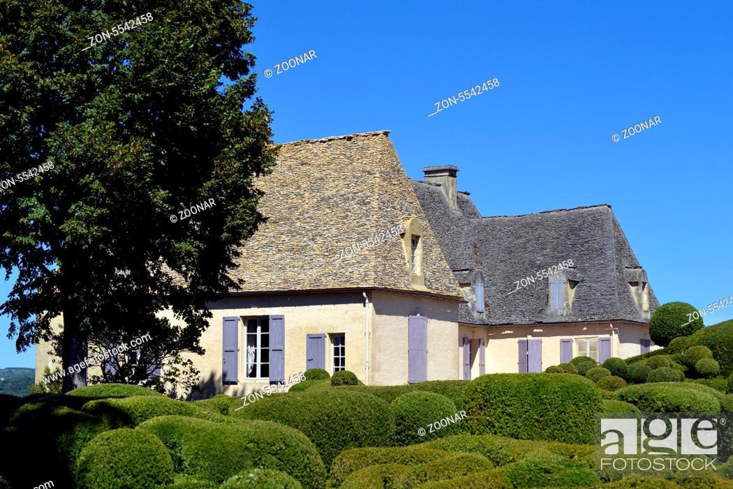Stock Photo: Garten Marqueyssac Les Jardins suspendus de Marqueyssac Gemeinde Vezac Departement Dordogne Region Perigord Frankreich Europa | Overhanging Gardens of.