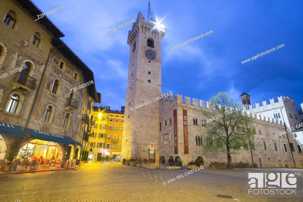 Imagen: TRENTO ITALY ON APRIL 2019: Trento is a city on the Adige River in Trentino-Alto Adige/Sudtirol in Italy. Cityscape by dusk.