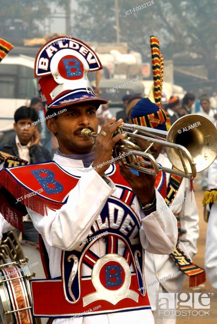 Stock Photo: India, New Delhi, fanfare during the anniversary of the martyr of Guru Tegh Baradur.