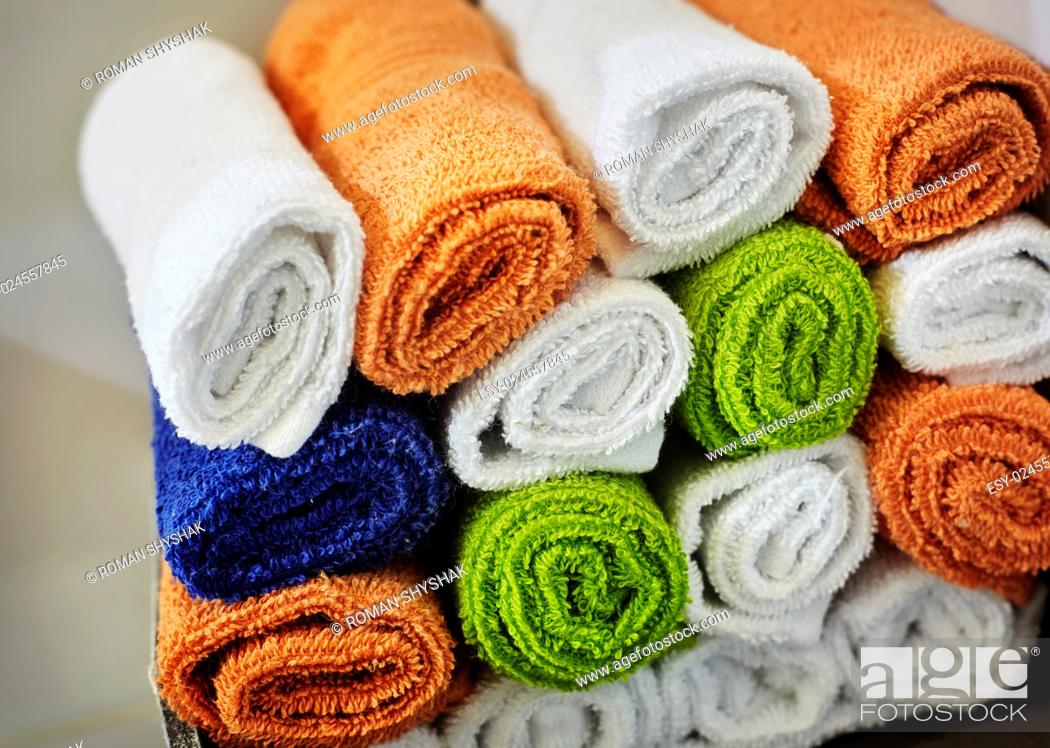 Stock Photo: close-up basket of pure towels.