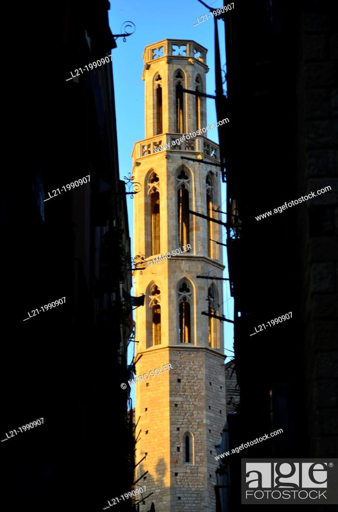 Stock Photo: Church of Santa Maria del Mar built in Catalan gothic style by Berenguer de Montagut and Ramon Despuig. La Ribera, Barcelona, Catalonia, Spain, Europe.