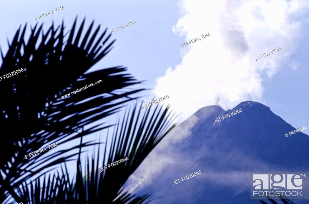 Stock Photo: Costa Rica, Arenal Volcano.