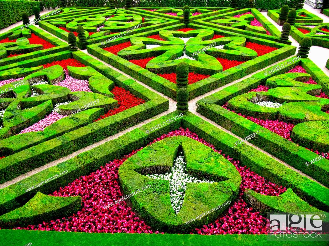 Stock Photo: Villandry, Castle and gardens, Château de Villandry, Indre et Loire, Touraine, Loire Valley, UNESCO World Heritage Site, France. 					.