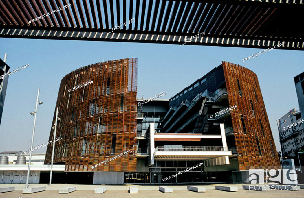 Stock Photo: Biomedical research building of Barcelona, by Manel Brullet y Albert de Pineda. Barcelona, Spain.
