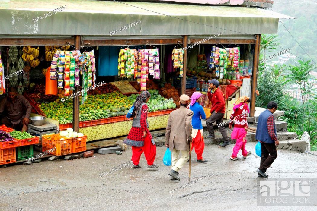 Stock Photo: Himachali family, Banjar town, Tirthan Valley, Kullu, Himachal Pradesh, India, Asia.