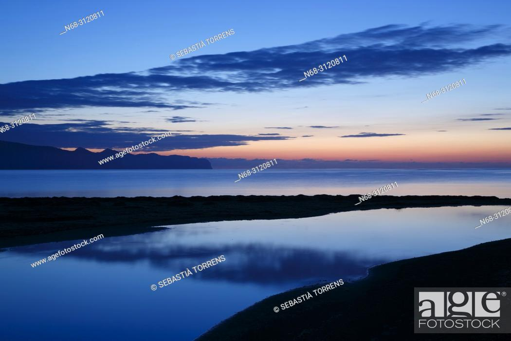 Stock Photo: Dawn at Pollensa Bay, Majorca, Balearic Islands, Spain.