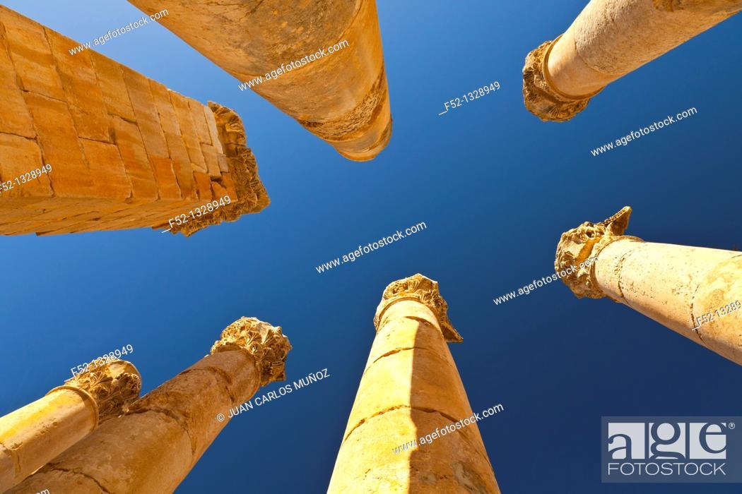 Stock Photo: Zeus Temple, Greco-Roman city of Jerash, Jordan, Middle East.