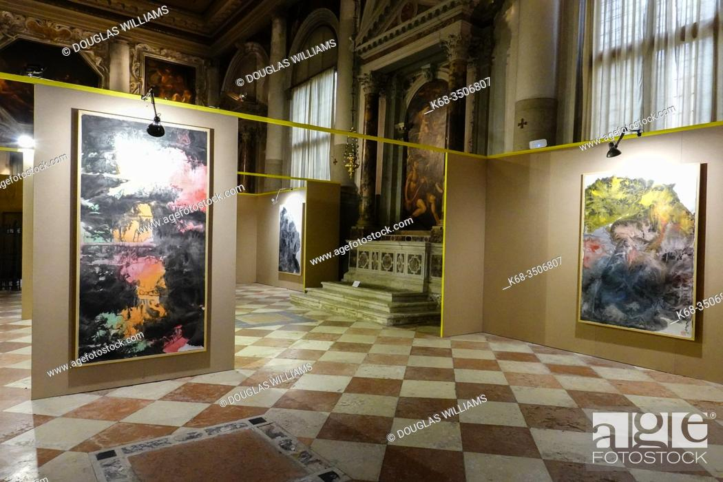 Imagen: Interior of the Basilica Santi Giovanni e Paolo, in Castello neighbourhood, Venice, Italy. Paintings displayed during the 2019 Venice Biennale.