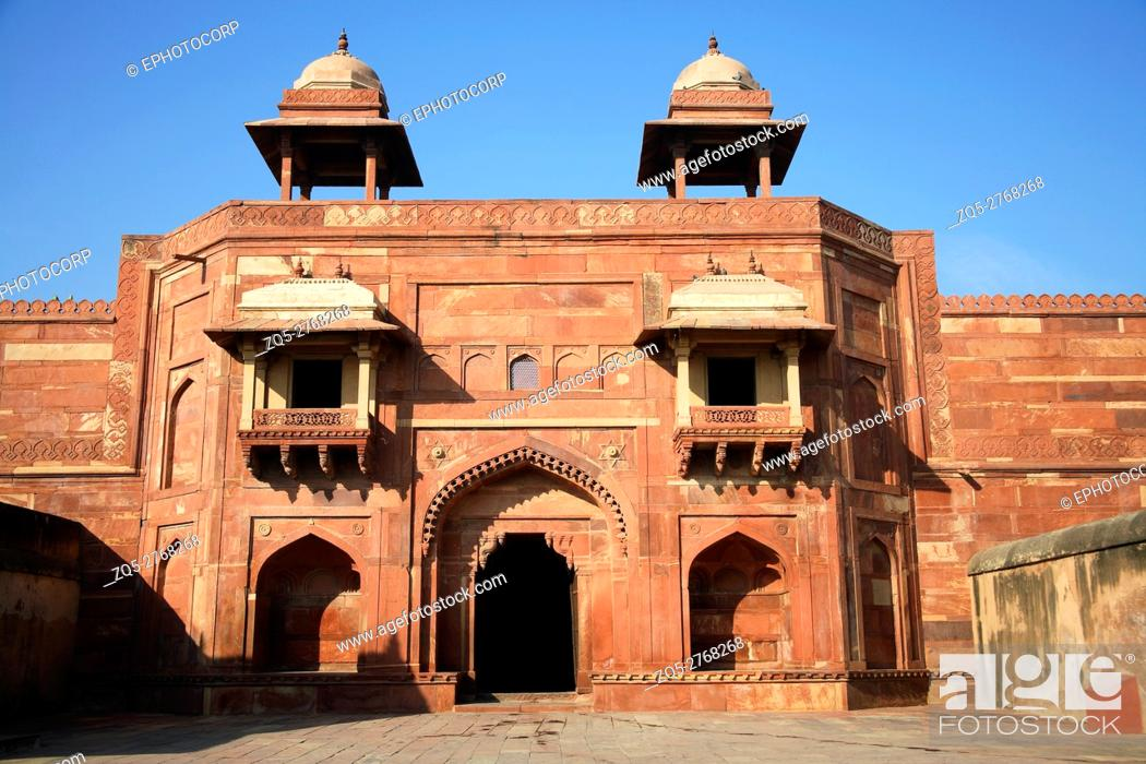 Photo de stock: Diwan-e-khas, Fatehpur Sikri, was the political capital of India's Mughal Empire under Akbar's reign, from 1571 until 1585, when it was abandoned.