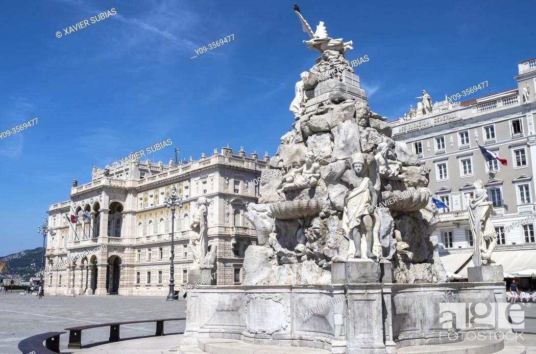 Imagen: Government palace, Piazza Unità d'Italia, Trieste, Italy.