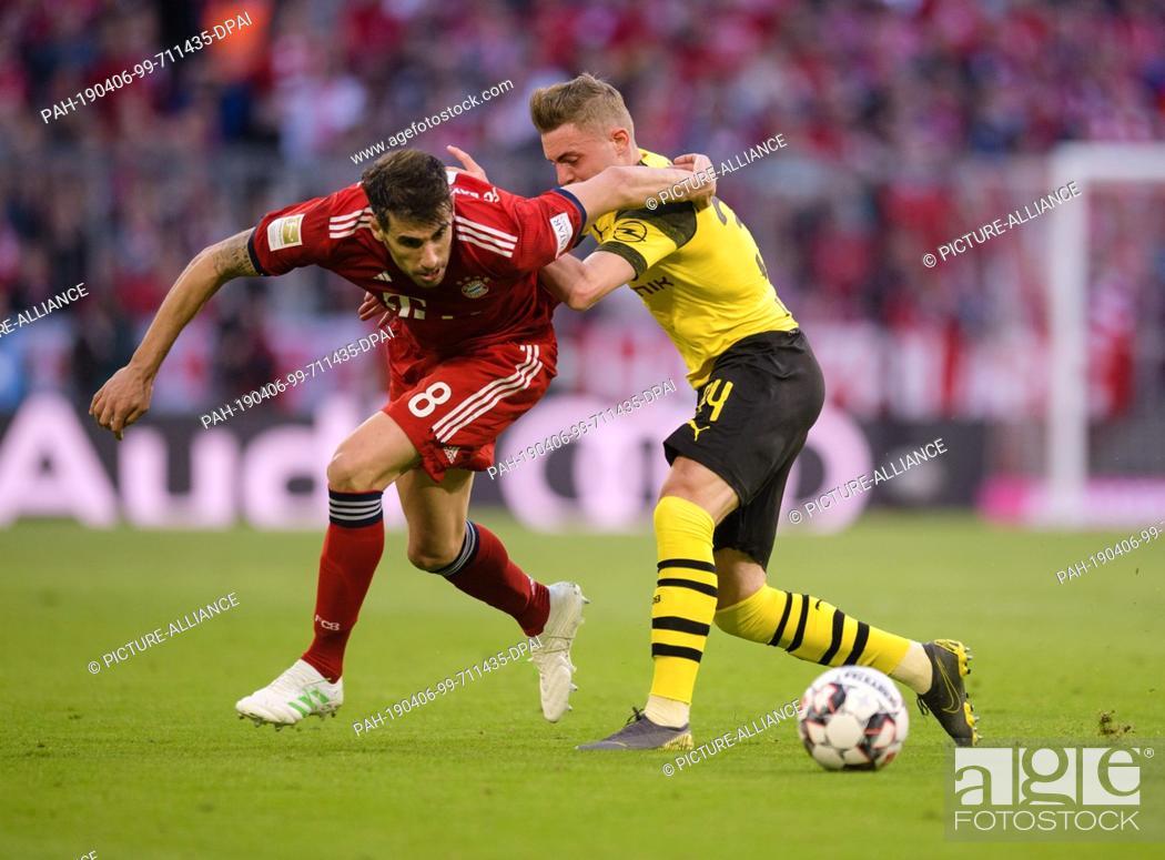 Stock Photo: 06 April 2019, Bavaria, München: Soccer: Bundesliga, Bayern Munich - Borussia Dortmund, 28th matchday in the Allianz Arena.
