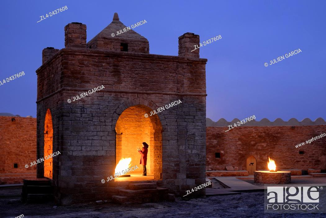Stock Photo: Azerbaijan, Baku, Surakhany, Ateshgah or Fire Temple, Zoroastrian fire worship place built during the 18th century by an Indian community on a natural gas field.