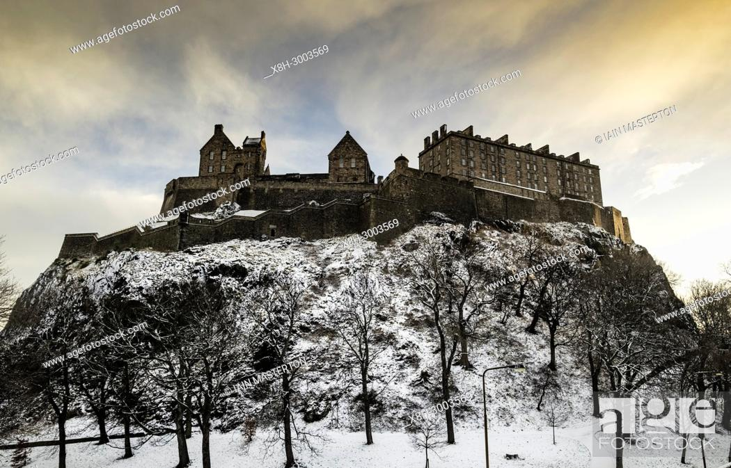Stock Photo: View of Edinburgh Castle after snowfall during winter in Scotland, United Kingdom.