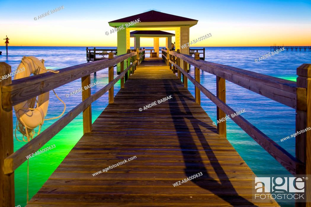 Stock Photo: USA, Texas, Rockport, Fishing pier at Gulf of Mexico.