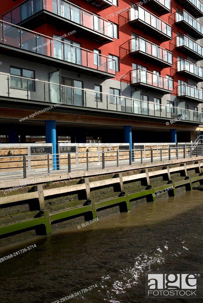 Imagen: Modern Apartment development on the riverside near Woolwich, London, United Kingdom.