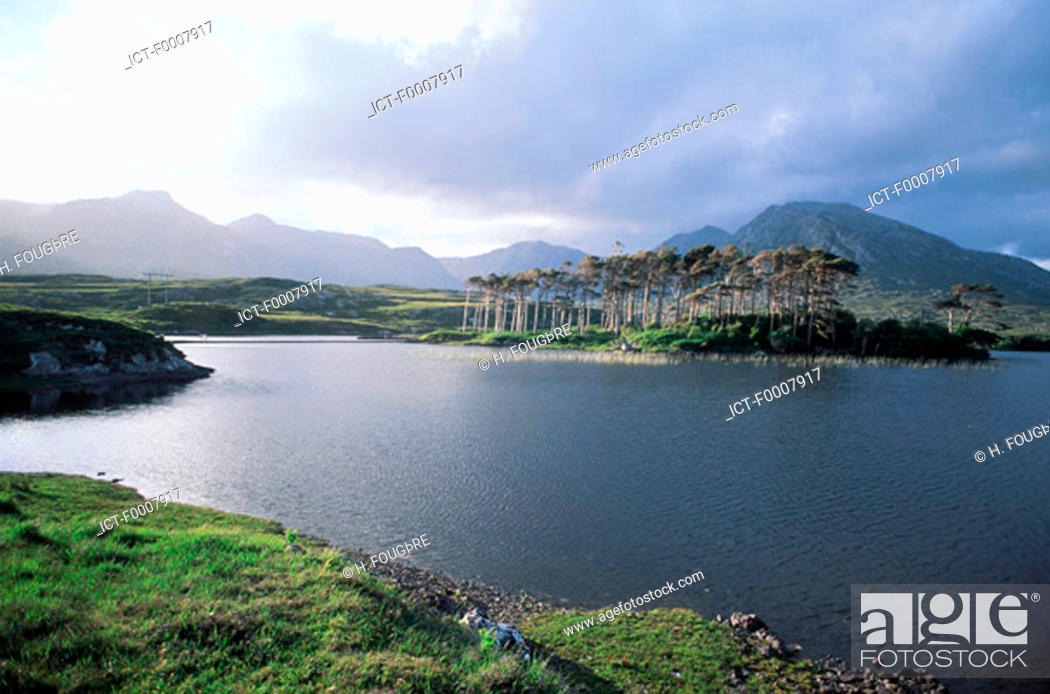 Stock Photo: Ireland, Connemara, landscape.