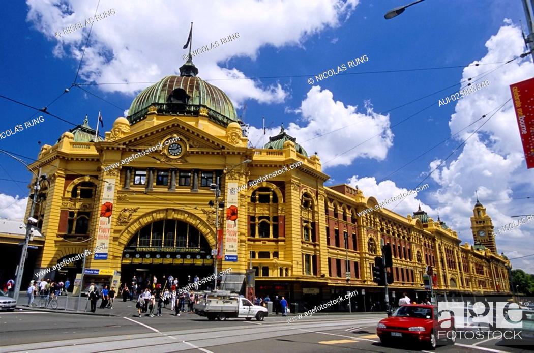 Stock Photo: Melbourne - Flinders Street Station - Flinders railway station.