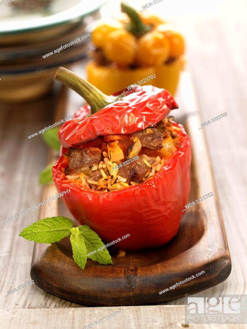 Stock Photo: dolma mshakila-pimiento relleno de carne de cordero picada.