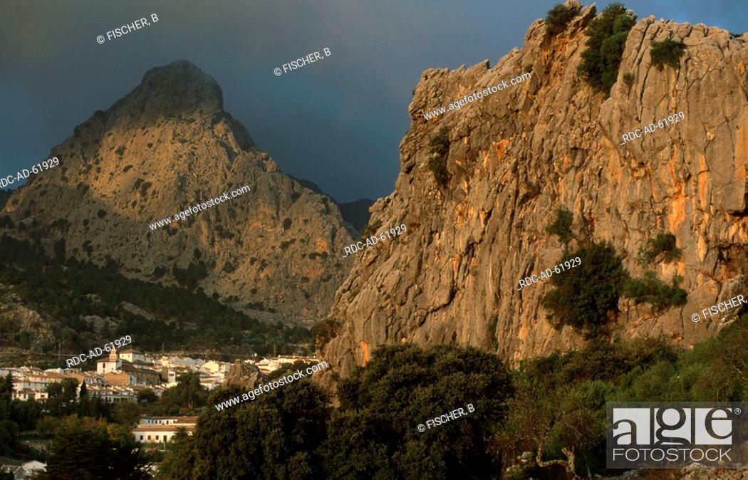Stock Photo: Grazalema in front of Sierra de Grazalema Andalusia Spain.