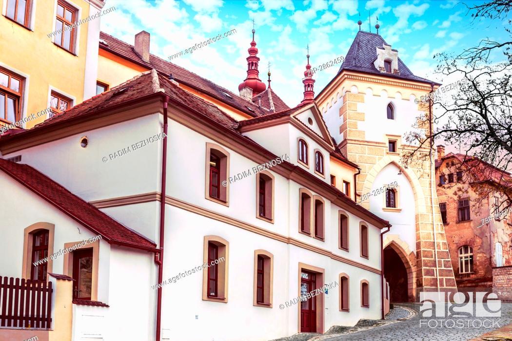 Imagen: Princely Gate, Zatec, Northern Bohemia, Czech Republic, Europe.