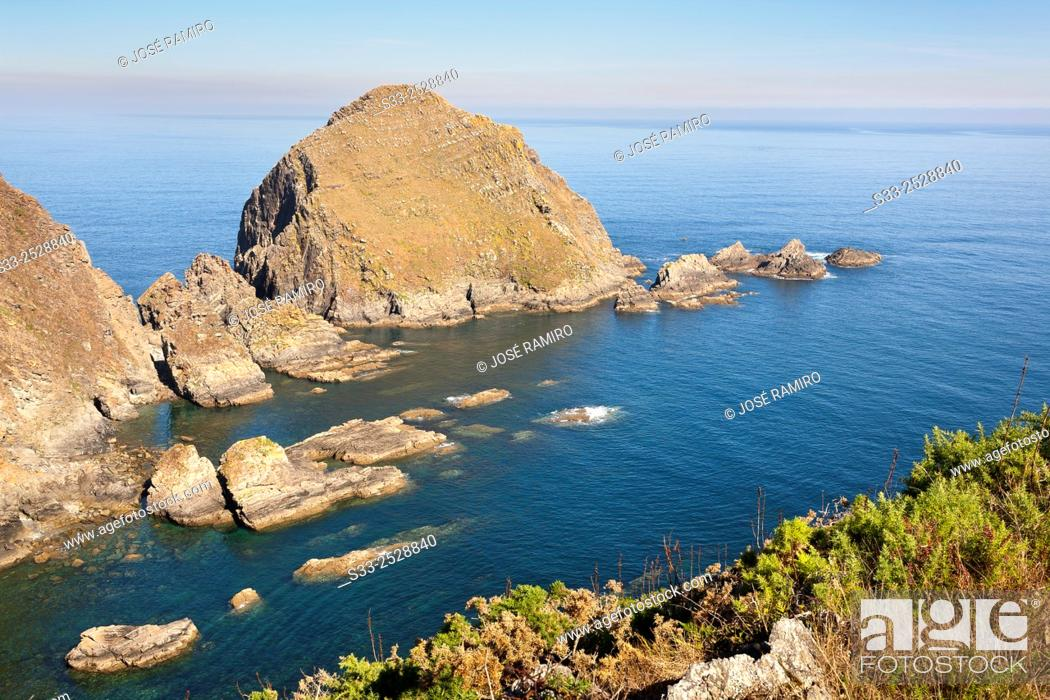 Stock Photo: Rabion Island from Chamarga cliff. Asturias. Spain.