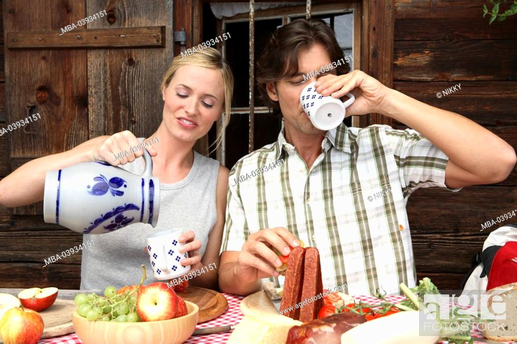 Stock Photo: Couple, cottage, break, snack, stein,.