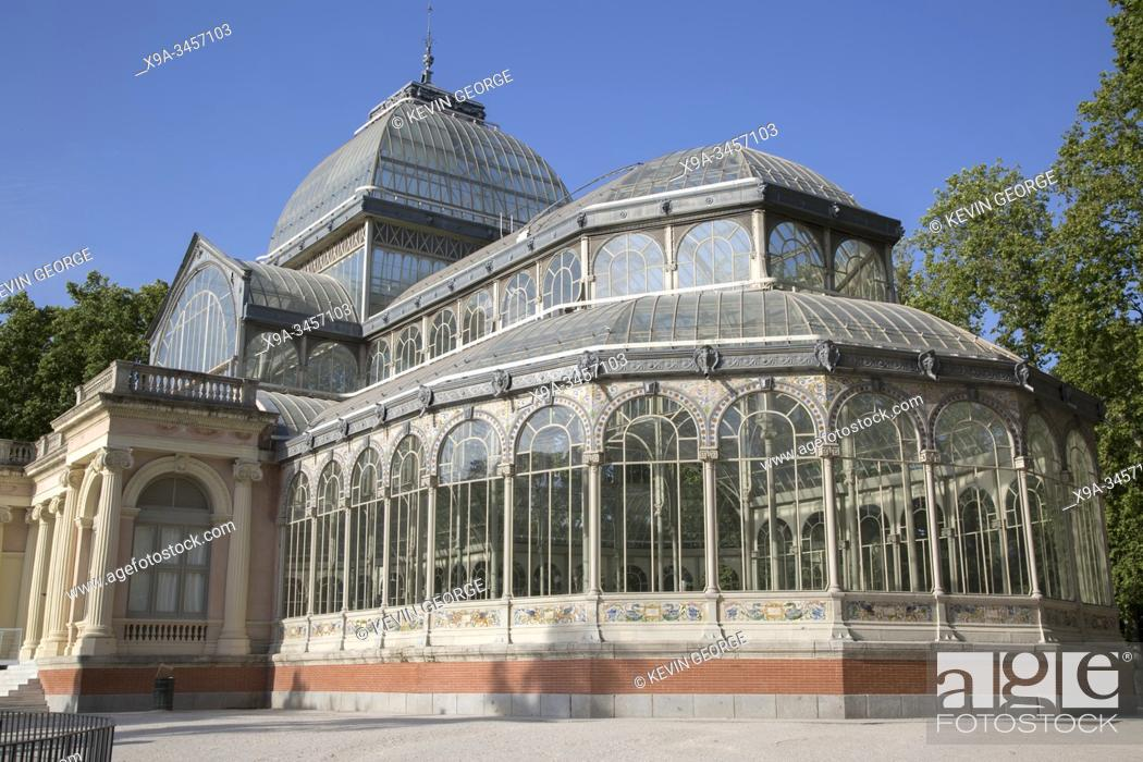 Stock Photo: Palacio de Cristal Building, Retiro Park, Madrid, Spain.