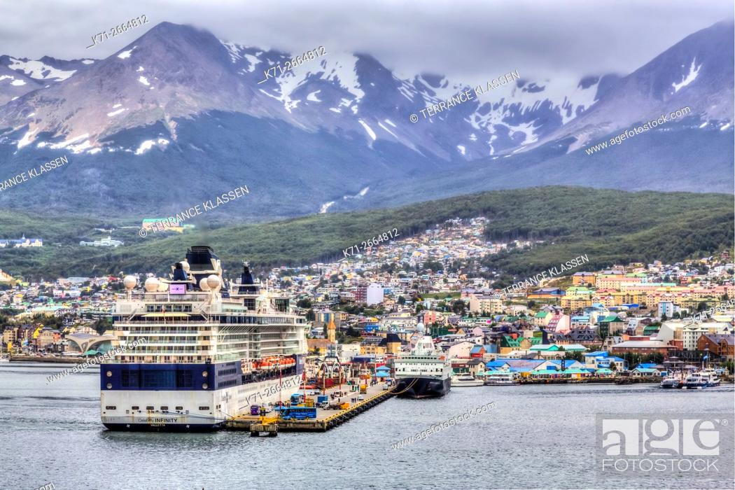 Imagen: The cruise ship dock at the port of Ushuaia, Argentina, South America.