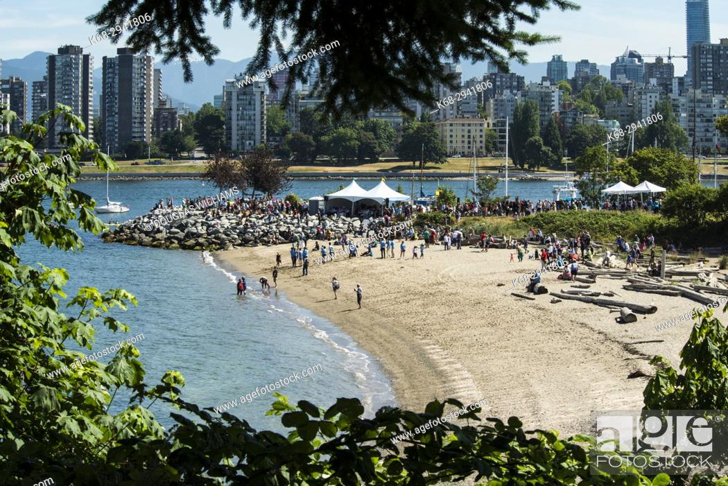 Imagen: Gathering of Canoes, First Nations ceremony, Vanier Park, Vancouver, BC, Canada.