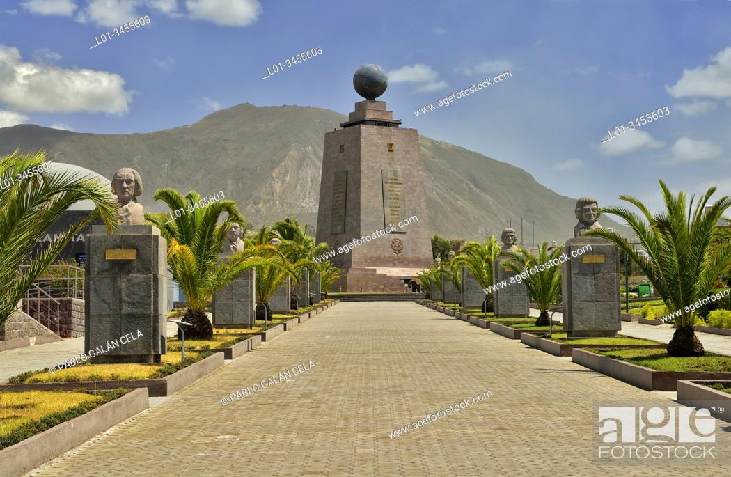 Imagen: The Monument to the Equator, Ciudad Mitad del Mundo (Middle of the World City). Pichincha, Ecuador.