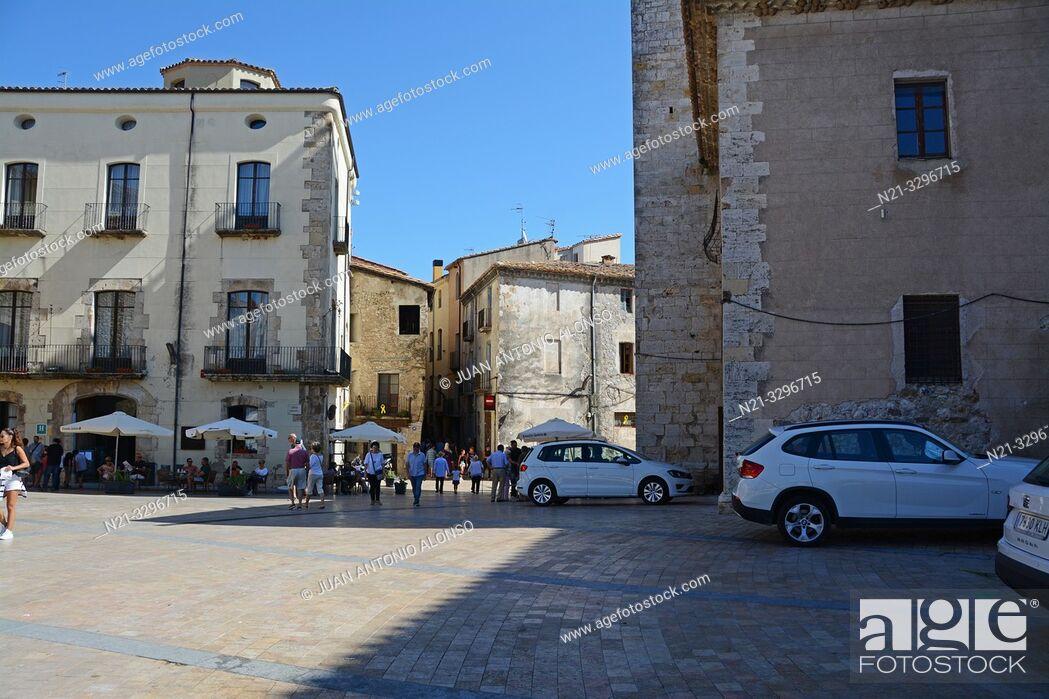 Stock Photo: Plaça de Sant Pere in the medieval town of Besalú, La Garrotxa, Province of Girona, Catalonia, Spain, Europe.