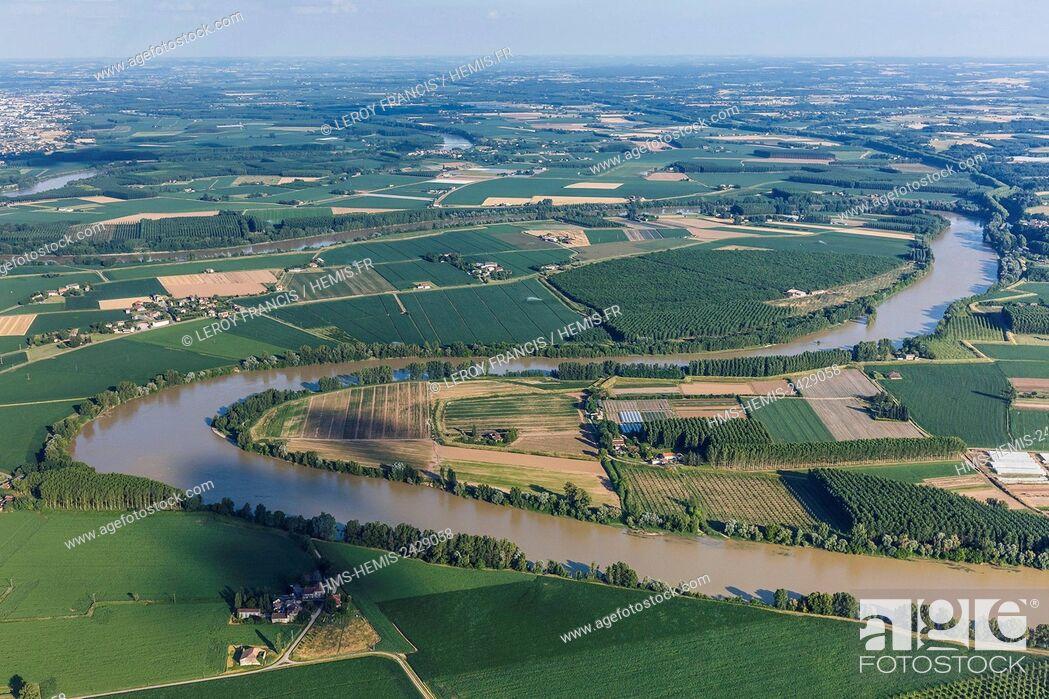 Stock Photo: France, Lot et Garonne, Meihan sur Garonne, the Garonne river plain (aerial view).