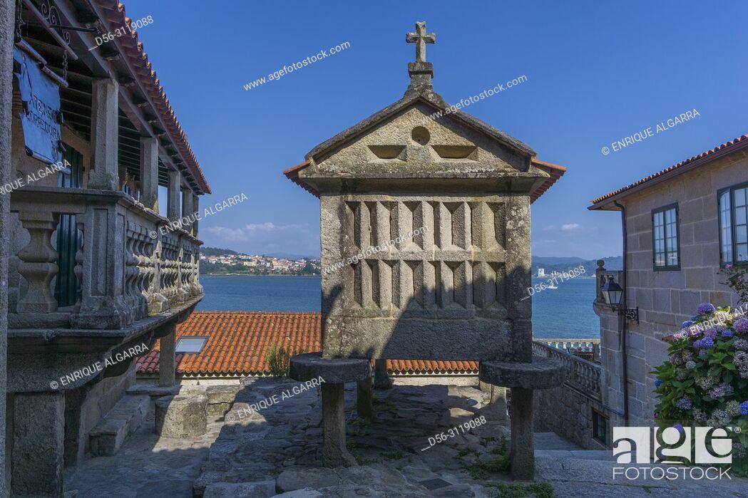 Imagen: Horreos, Combarro, Poio, Ria de Pontevedra, Pontevedra province, Galicia, Spain.