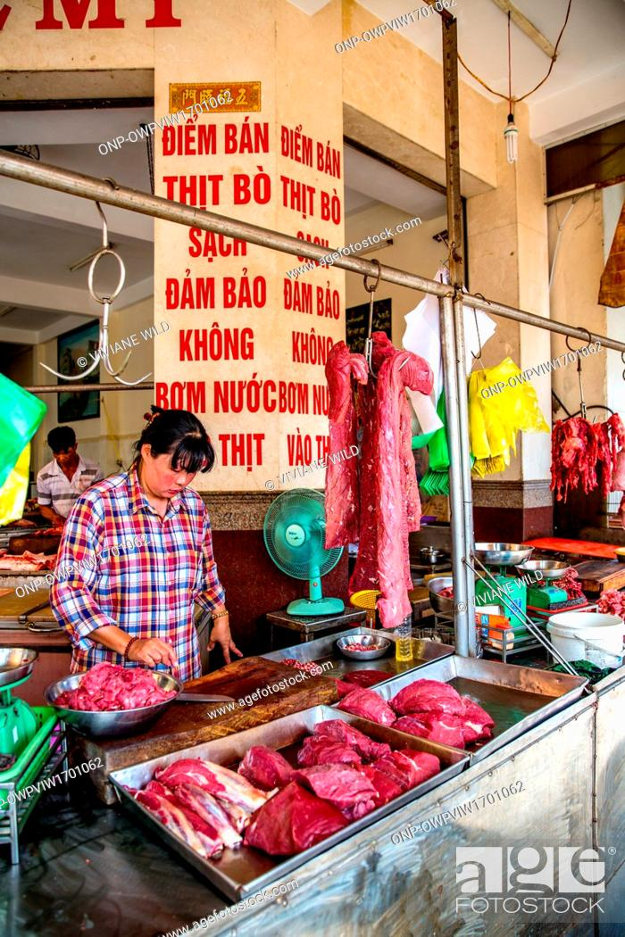Stock Photo: Vietnam, C?n Tho, Can Tho, street sales and traders in the streets of C?n Tho capital of the Mekong Delta, largest city of the Mekong Delta.