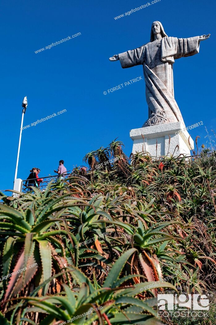 Stock Photo: STATUE OF CHRIST THE KING IN GARAJAU, MADEIRA, PORTUGAL.