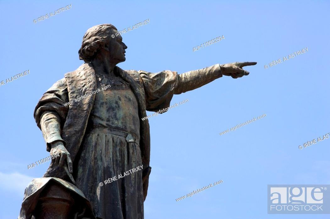 Stock Photo: Dominican Republic - Santo Domingo - Colonial Zone - Columbus Park - Statue of Christopher Columbus.