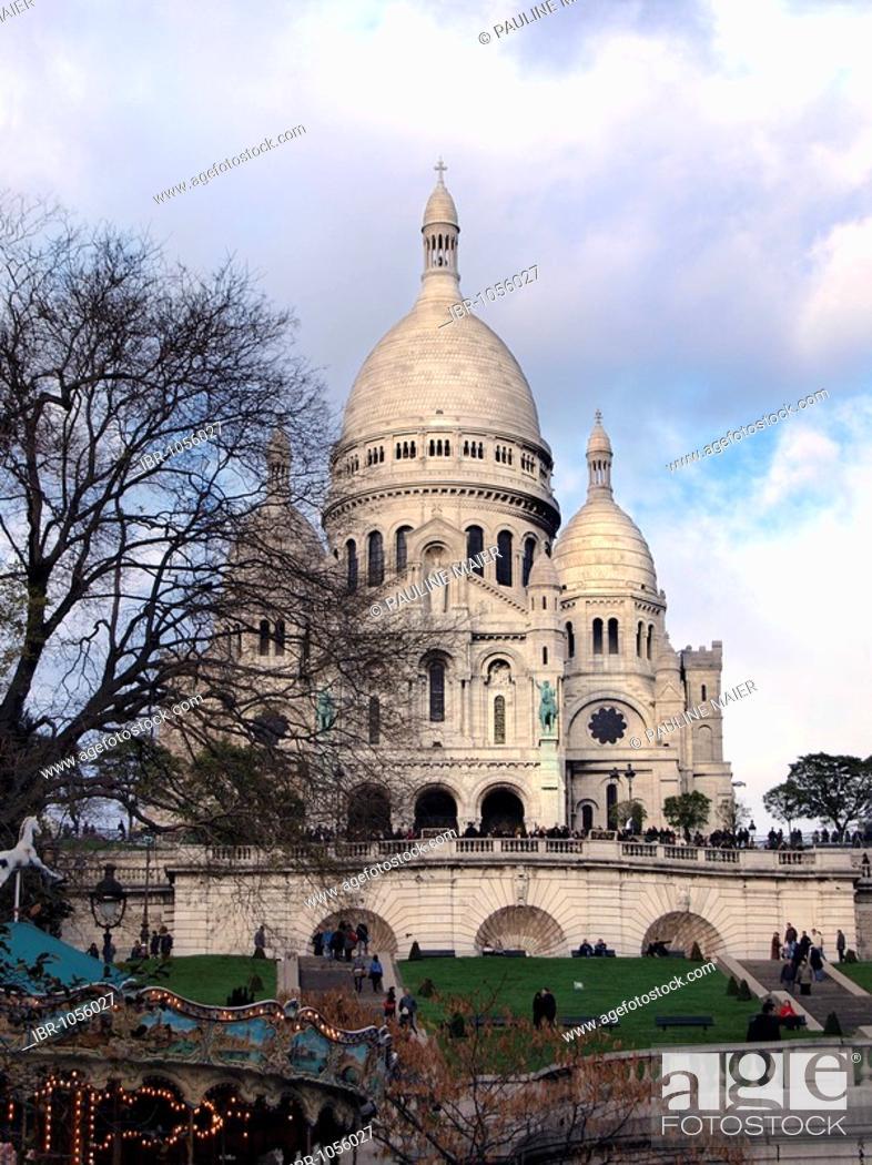 Stock Photo: Sacre Coeur Basilica on the hill Montmartre, Paris, France, Europe.