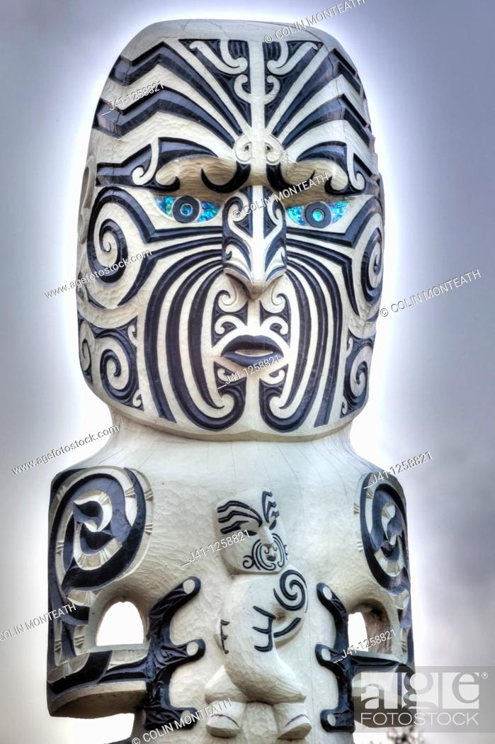 Stock Photo: Maori carved wooden statue, mother and child, Government Gardens, Rotorua.