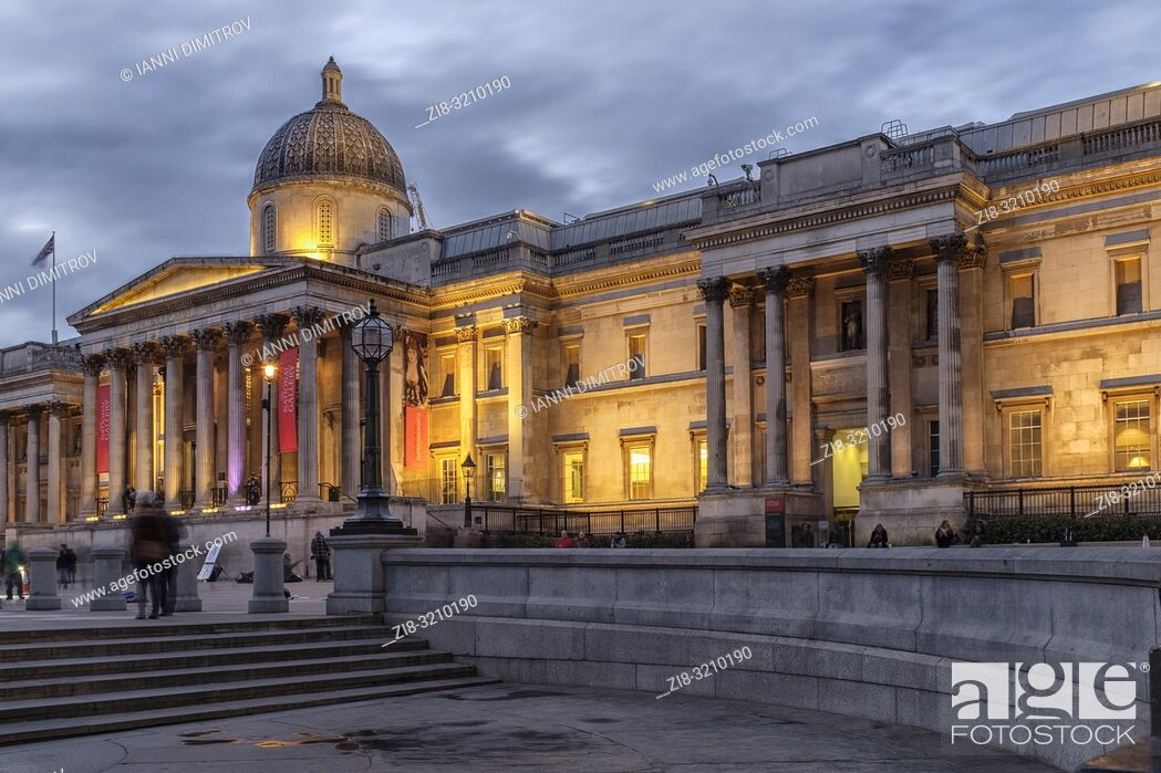 Stock Photo: England , London, Trafalgar Square, The National Gallery at night.