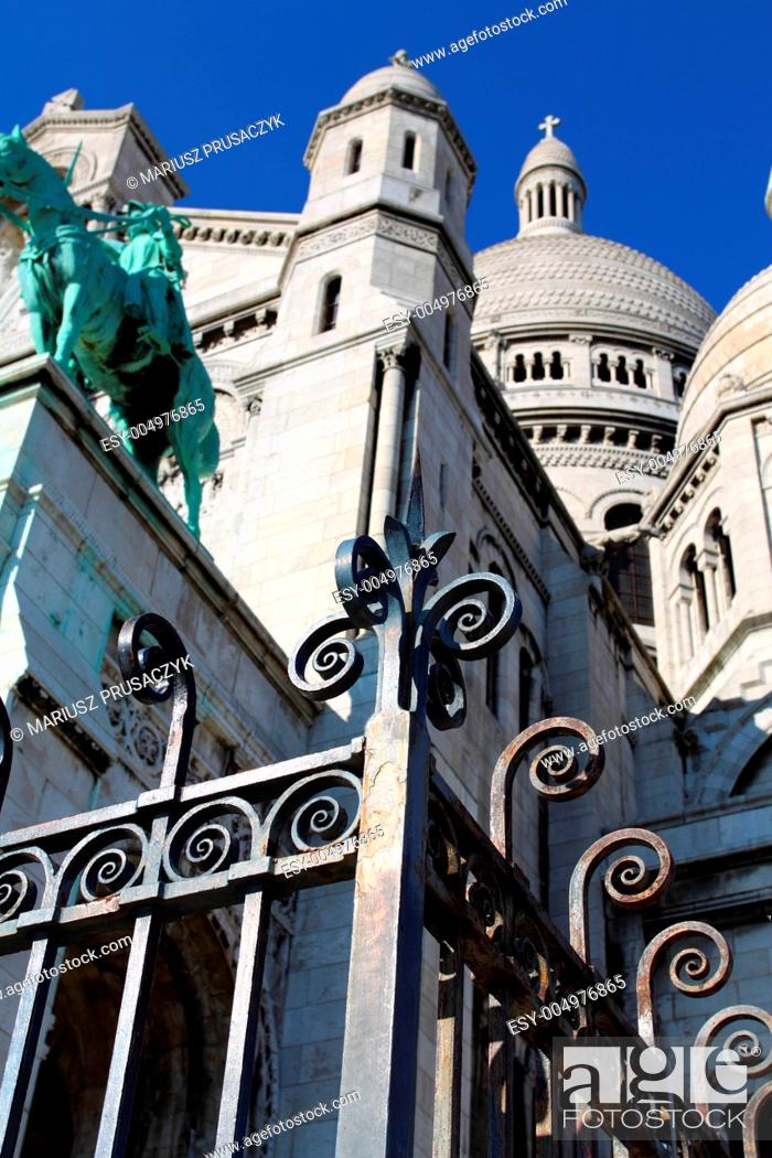 Stock Photo: Sacre Ceure cathedral in Paris.