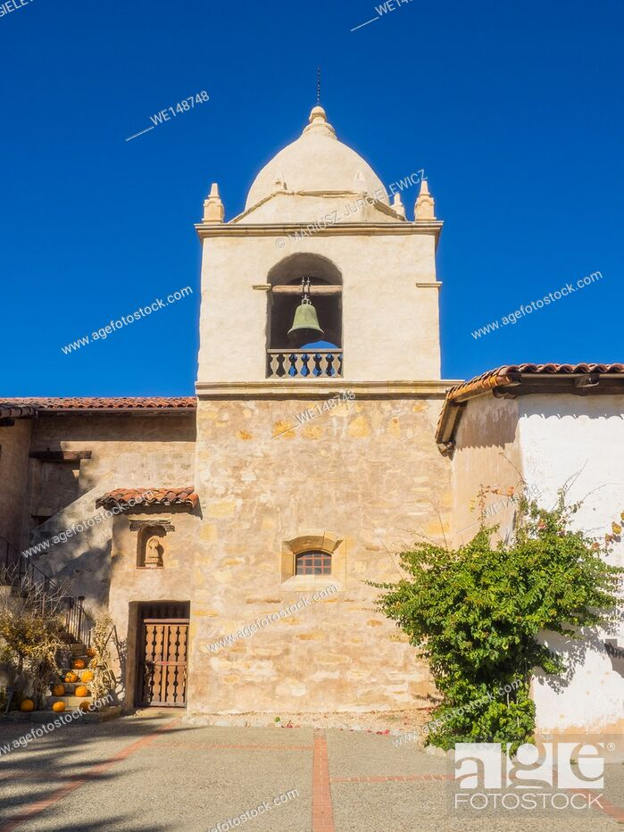 Stock Photo: Mission Carmel is a Roman Catholic mission church in Carmel-by-the-Sea, California.