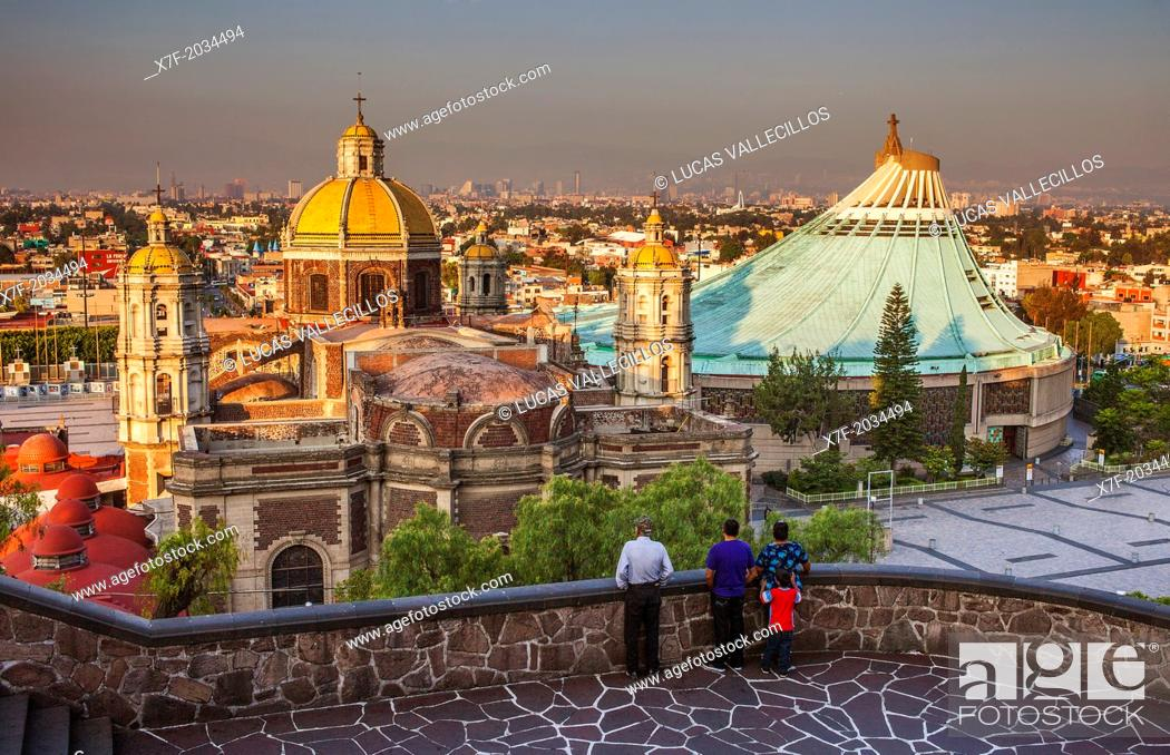 Imagen: Old and New Basilicas Our Lady of Guadalupe, from Gardens of Tepeyac, Mexico City, Mexico.