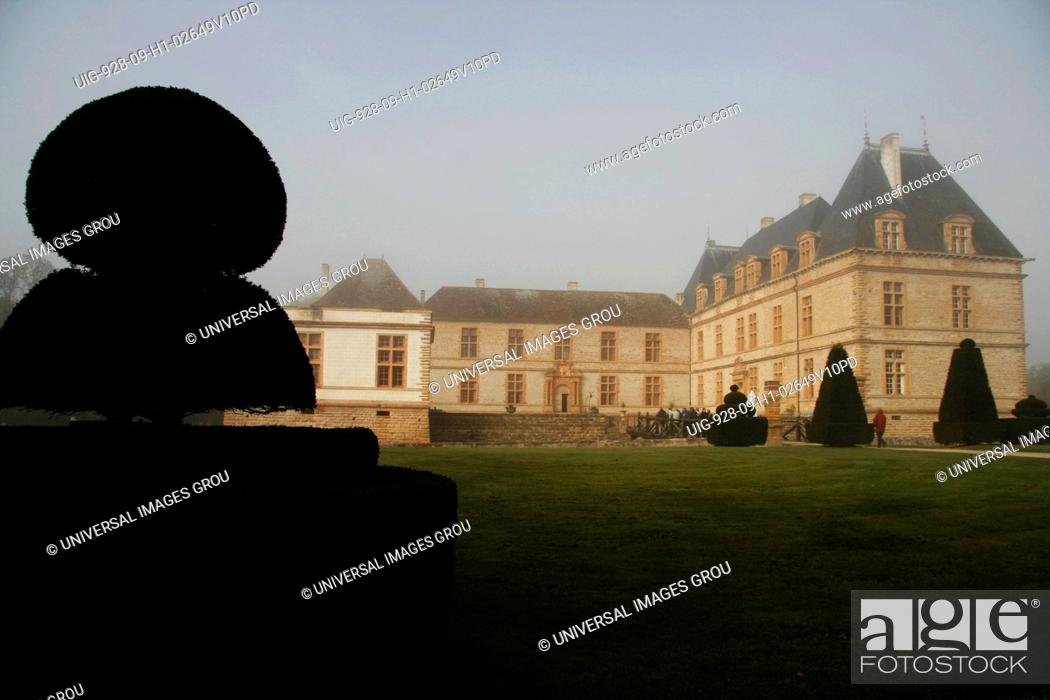 Stock Photo: France, Southern Burgundy, Cormatin Castle.
