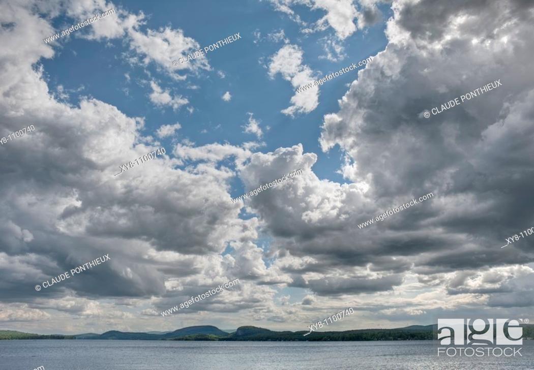 Stock Photo: Clouds-formation, Brompton-Lake, Québec, Canada.