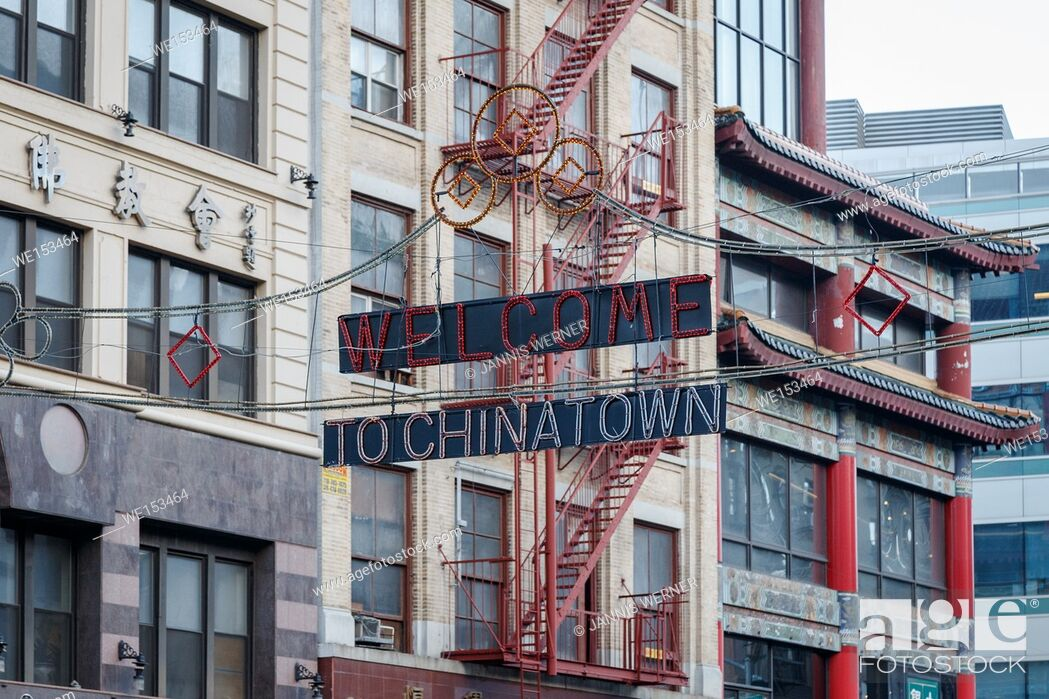 Stock Photo: NEW YORK, NY, USA - FALL 2014: Sign reading Welcome to Chinatown on a historic building on Canal Street, New York, NY, USA in Fall 2014.