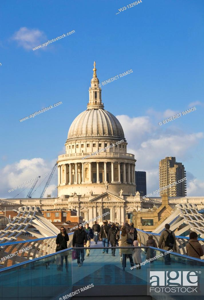 Stock Photo: St Paul's Cathedral and the Millennium Bridge, London, England, UK.