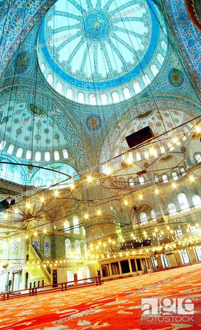Stock Photo: Turkey, Istanbul, Sultan Ahmet Camii, Blue Mosque.