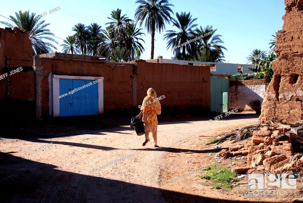 Imagen: Morocco, streets of Tighmert.