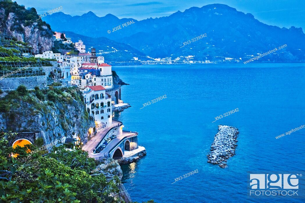 Imagen: Atrani town from Salita Capo Di Croce street, ride between Amalfi and Atrani, Amalfi Coast, province of Salerno, Gulf of Salerno, Tyrrhenian Sea.