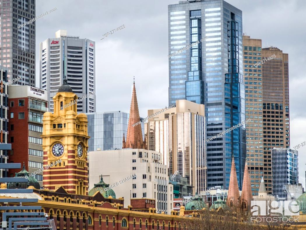 Imagen: Melbourne, Victoria, Australia looking towards Flinders Street Station from the South Bank.